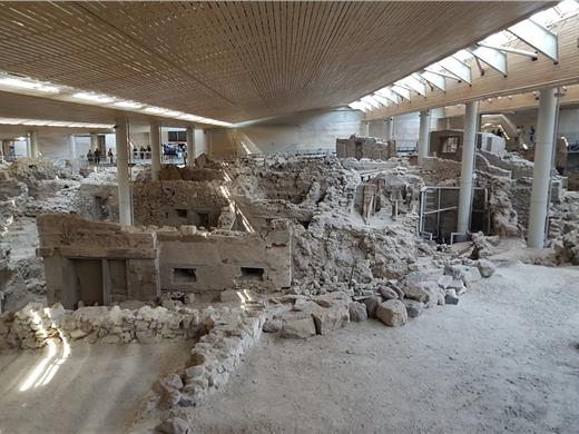 Visit the excavations of Akrotiri with an English speaking licensed tour guide - Bus tours - Santorini View