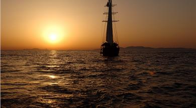 Sunset Sailing Tour to Volcano and Hot Springs with Dinner - Boat & volcano tours - Santorini View