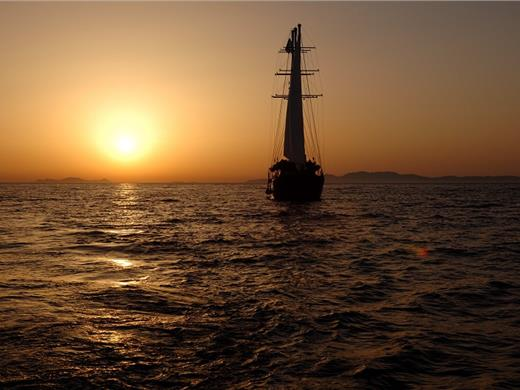 Sunset Sailing Tour to Volcano and Hot Springs with Dinner - Volcano tours - Santorini View