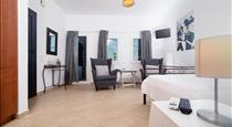 Aelia Suites, hotels in Akrotiri