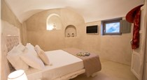 LoveNest, hotels in Akrotiri