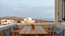 Misteli, hotels in Akrotiri