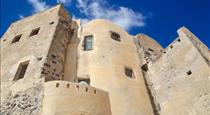 Traditional Studio in a Castle, hotels in Emporio