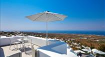 Aperanto Suites, hotels in Finikia
