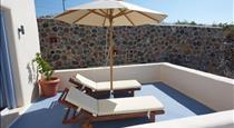 Red Stone Villa, hotels in Finikia
