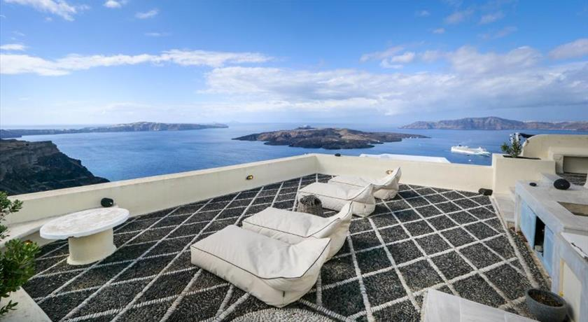 360 Blue, Hotel in Fira, Greece - Santorini View