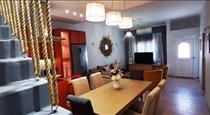 Alexandra's Home, hotels in Fira
