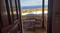 Amerisa Suites, hotels in Fira