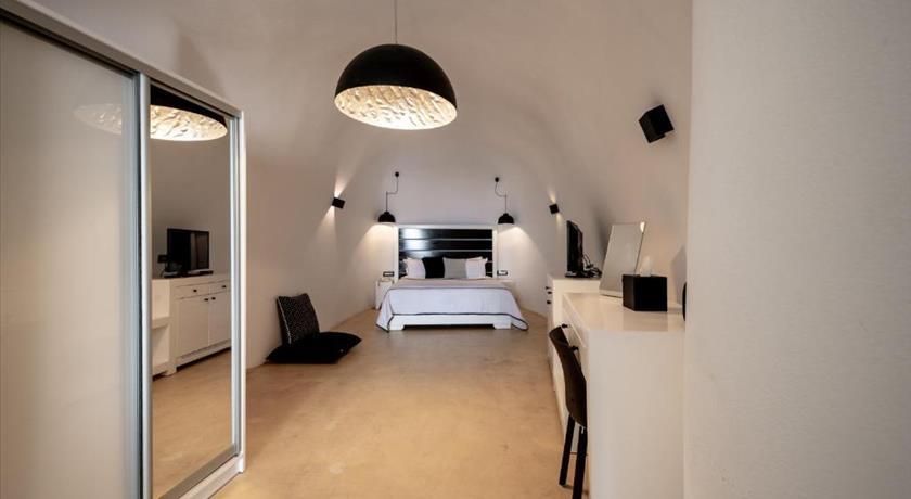 Hotels Near Fira Santorini
