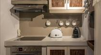 Coat of Arms Mansion, hotels in Fira