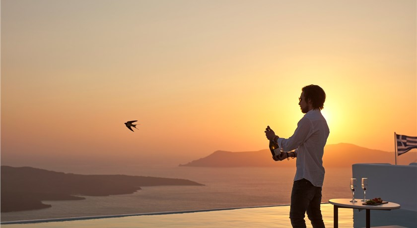 Cosmopolitan Suites, Hotel in Fira, Greece - Santorini View