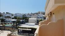 Fira Calm Hotel, hotels in Fira
