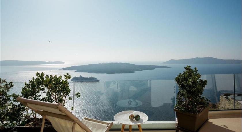 THE GLOBE SUITES VILLA in Santorini - 2019 Prices,Photos,Ratings - Book Now