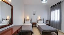 Hotel Leta, hotels in Fira