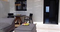 IfestAu.4 Suites, hotels in Fira
