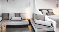 IRENE CITY VILLAS, hotels in Fira
