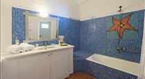 Kastro Suites, hotels in Fira