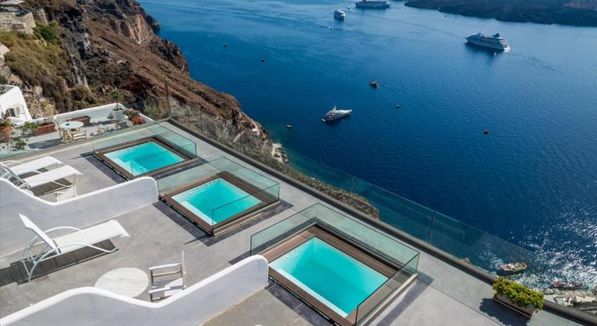 Kratiras View Luxury Suites, Hotel in Fira, Greece - Santorini View