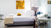 Kratiras View Luxury Suites, hotels in Fira