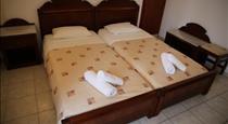 Leta-Santorini, hotels in Fira
