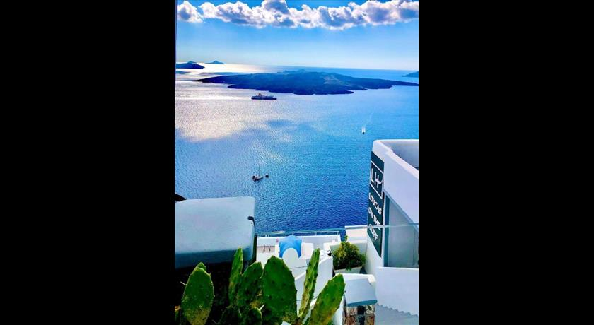 LOUCAS ON THE CLIFF in Santorini - 2019 Prices,Photos,Ratings - Book Now