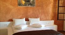 Marianna's Residence By Romantic Collection, hotels in Fira