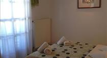 New Haroula, hotels in Fira