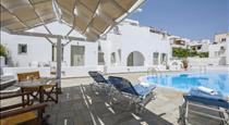 Nissos Thira, hotels in Fira