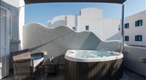 Oasis Hotel, hotels in Fira