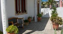 Villa Koronios, hotels in Fira
