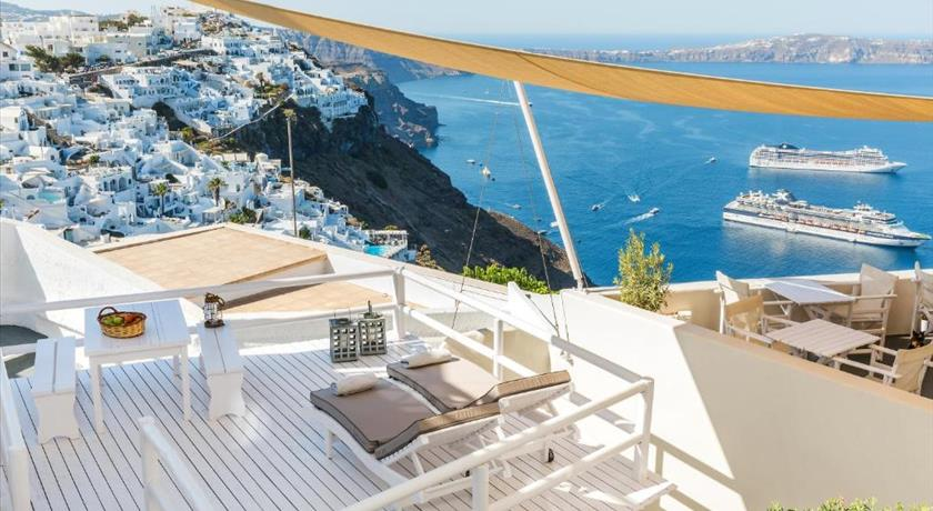 BLUE DOLPHINS APARTMENTS in Santorini - 2019 Prices,Photos,Ratings - Book Now