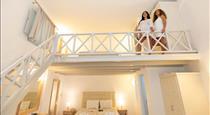 Erato Apartments, hotels in Firostefani