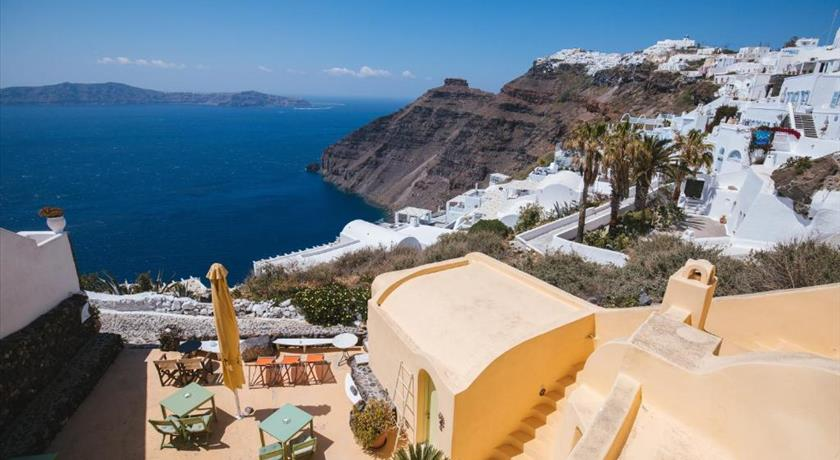 Sensyo Traditional Caves, Hotels in Firostefani Caldera - Santorini View