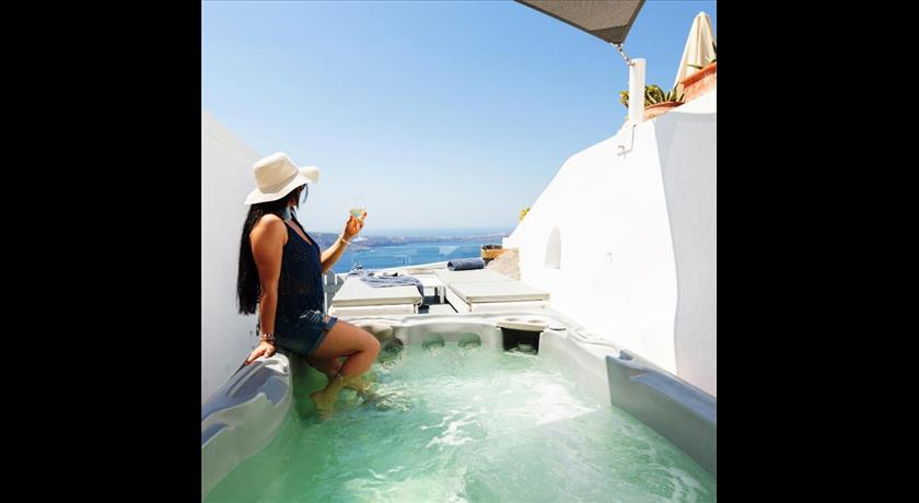 ETHEREUM LUXURY CAVE in Santorini - 2019 Prices,Photos,Ratings - Book Now