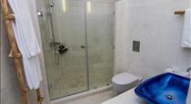 Iconic Santorini, a boutique cave hotel, hotels in Imerovigli