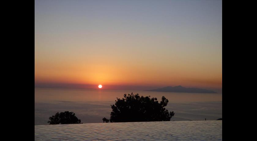 Rampelia Apartments - Prekas 2, Hotels in Imerovigli, Greece - Santorini View