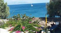 Blue Horizon, hotels in Kamari