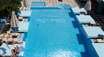 Blue Sea Hotel, hotels in Kamari