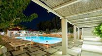 Hotel 28, hotels in Kamari