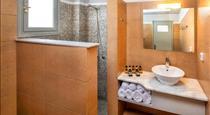 Kalya Suites & Studios, hotels in Kamari