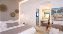 Louis Studios Santorini, hotels in Kamari