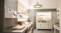 Makris Beach Hotel, hotels in Kamari