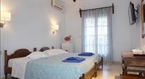 Proteas Hotel, hotels in Kamari