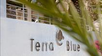 Terra Blue Santorini, hotels in Kamari
