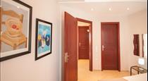 Veldi Art - Kamari Beach Apartment (8 persons), hotels in Kamari