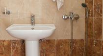 Aldea, hotels in Karterados