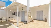 DS Traditional Villas Santorini Island, hotels in Karterados