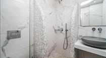 Emmanouela Studios & Villas, hotels in Karterados