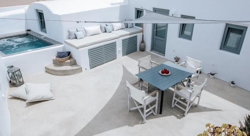 IL MELOGRANO TRADITIONAL CAVE HOUSE in Santorini - 2019 Prices,Photos,Ratings - Book Now