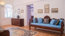 Lydia Luxury villa, hotels in Karterados